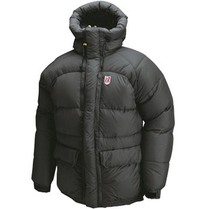 FJALL RAVEN(フェールラーベン) THERMO 2 DOWN JACKET LL 550(Black)