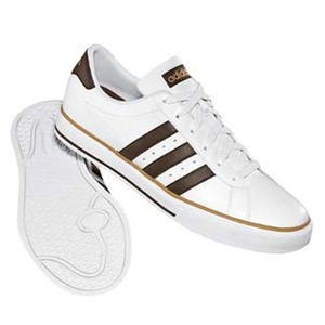 adidas(アディダス) デイリーバルカ 27.0cm ランニングホワイト×エスプレッソ×ダークサンド