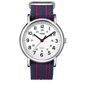 【送料無料】TIMEX(タイメックス) ウィークエンダー セントラルパーク ホワイトxネイビー/レッド T2N747