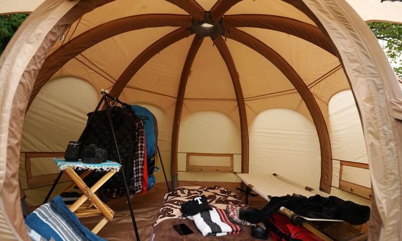ハイランダー TCテント アルネスは、簡易の前後室を搭載したモデル